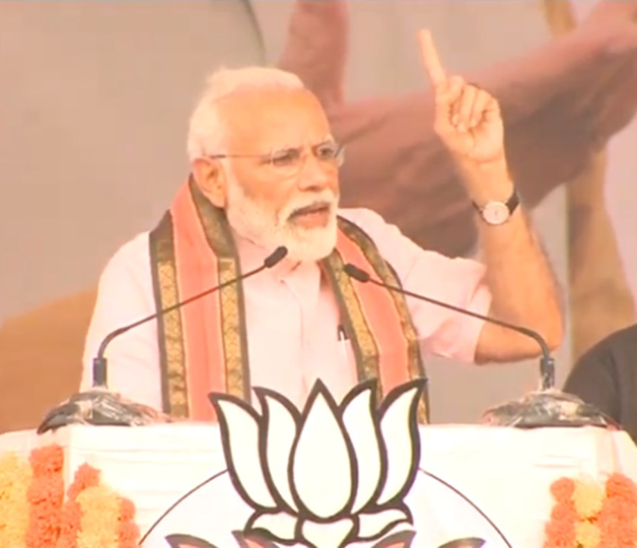 UPA govt arrested Amit Shah and police officers in Gujarat to topple my govt: Modi