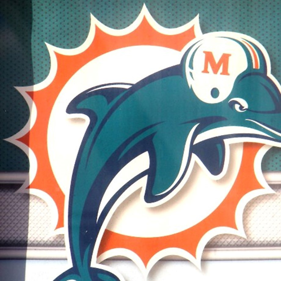 Winless Redskins, Dolphins meet in Miami