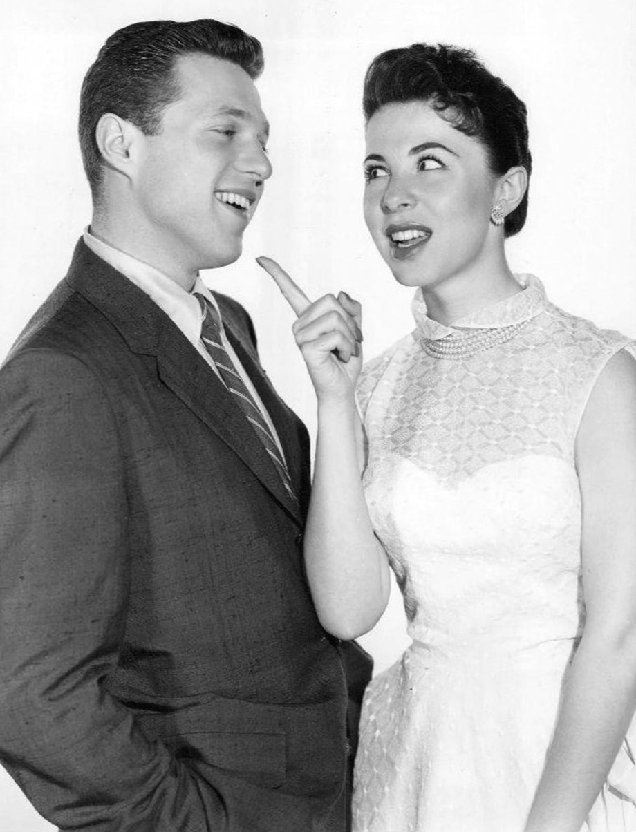Entertainment News Roundup: Singer Steve Lawrence, of 'Steve and Eydie' duo, says he has Alzheimer's