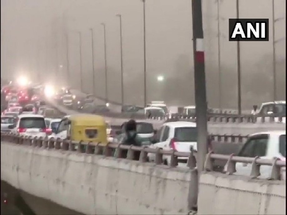 Rainfall in several parts of north India, dust storm sweeps Delhi & Rajasthan
