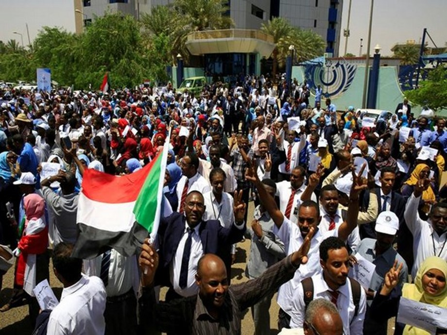 UPDATE 3-Thousands demonstrate in Sudan to mark 40 days since deadly crackdown