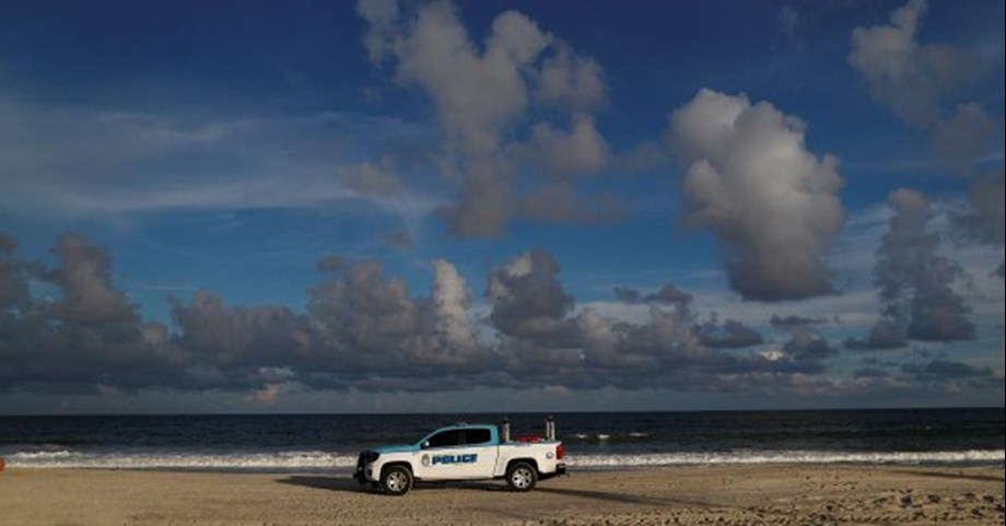 UPDATE 3-'Heed the warnings,' officials warn Carolinas as massive storm nears