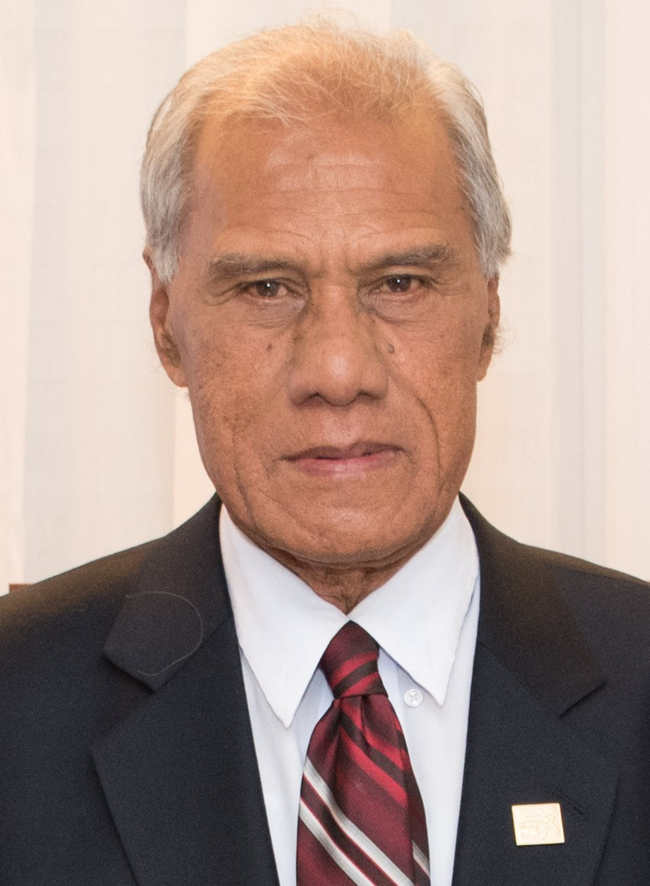UPDATE 1-Climate change campaigner Tongan PM dies in New Zealand