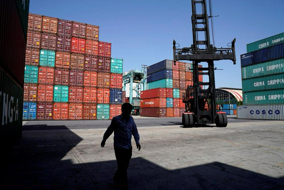 US trade deficit widens, reaches 10-year high in October
