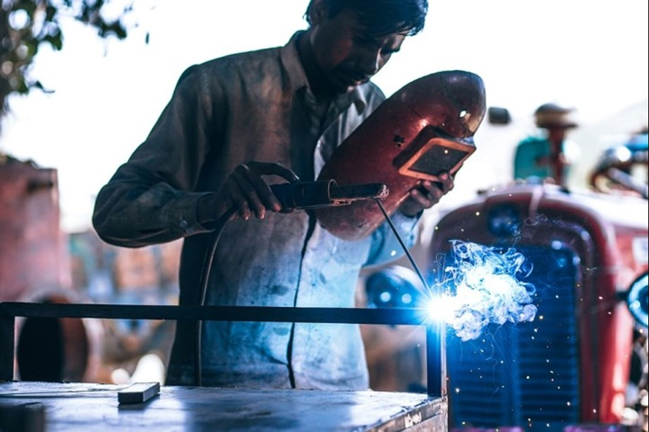 India's Manufacturing sector portrays positive outlook in Q2: FICCI