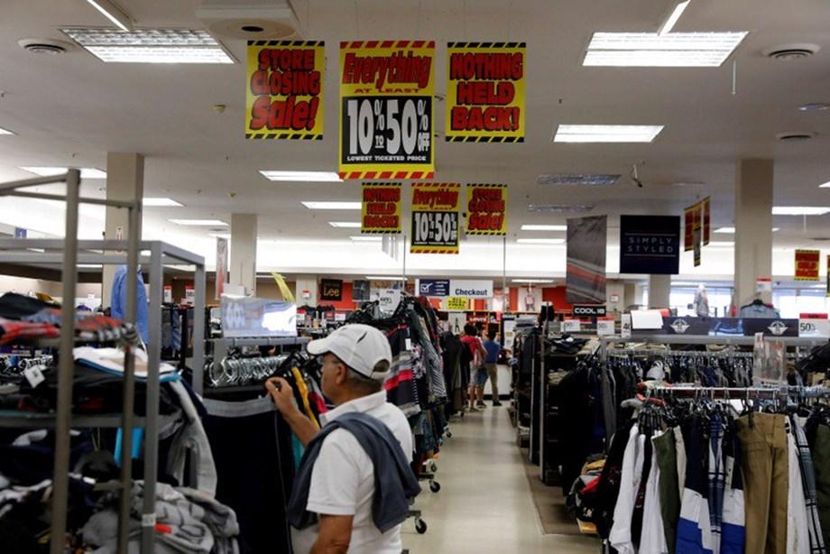 Blank shelves, bad customer service speed Sears' demise