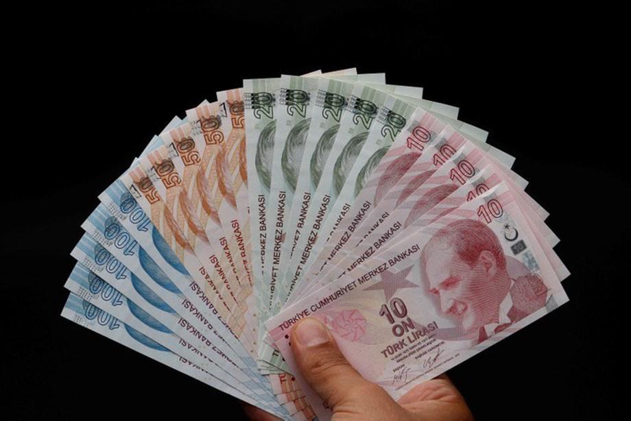 Turkish lira weakens ahead of detained US pastor hearing