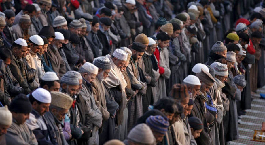 Authorities impose tight curbs in Indian Kashmir for Friday prayers