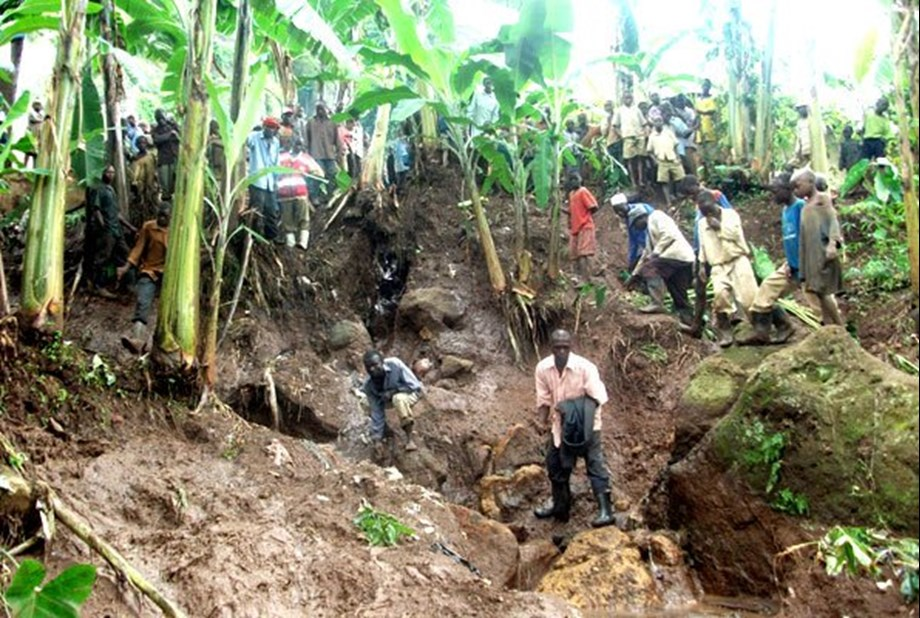 Search and rescue team on ground after 'massive landslide' in Uganda
