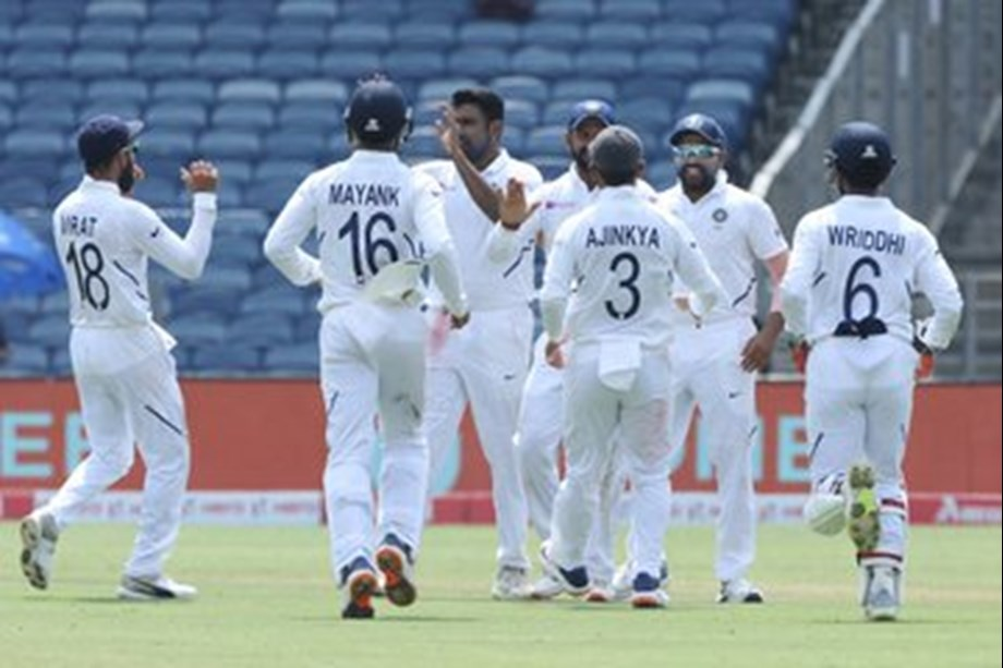 India take huge lead despite gritty fight from SA tail