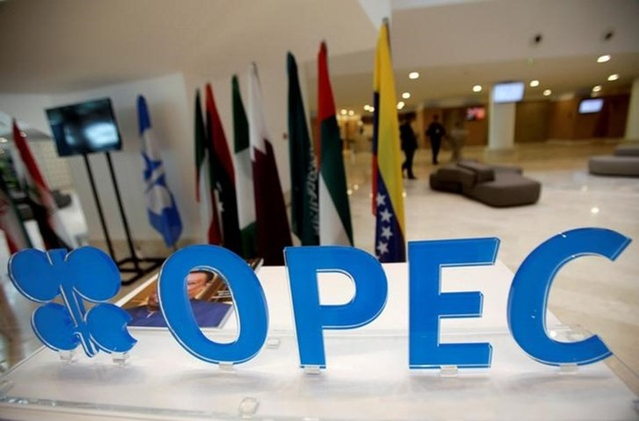 Russia's resistance keeping OPEC from significant production cut amid falling prices