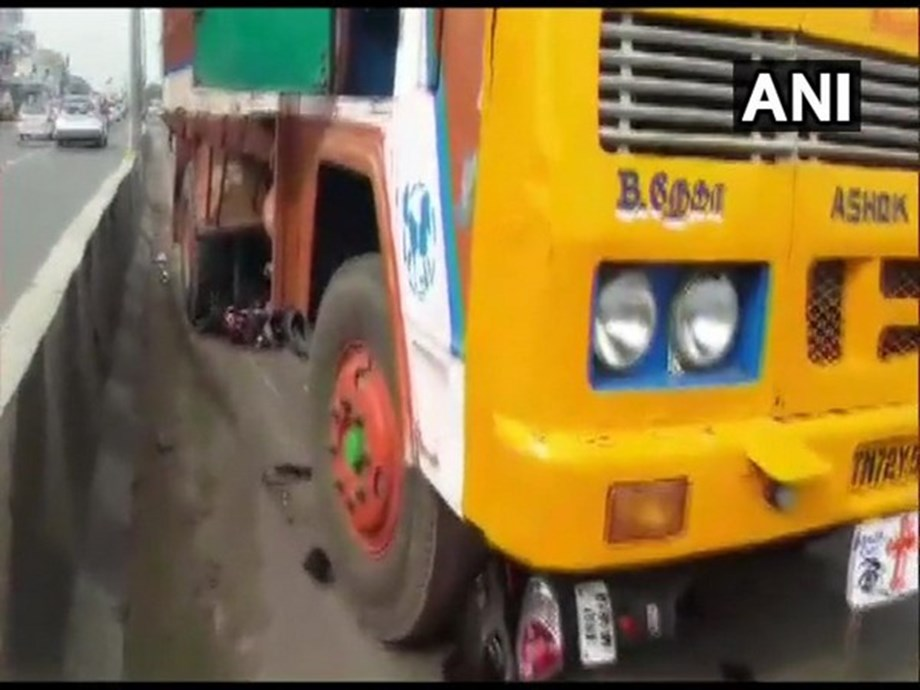 TN: Woman rider hit by truck while trying to avoid AIADMK flagpole in Coimbatore