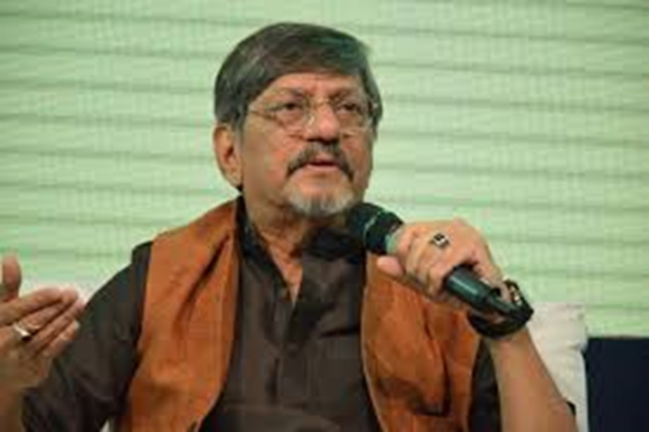 Artists avoid speaking as they are afraid of consequences: Amol Palekar