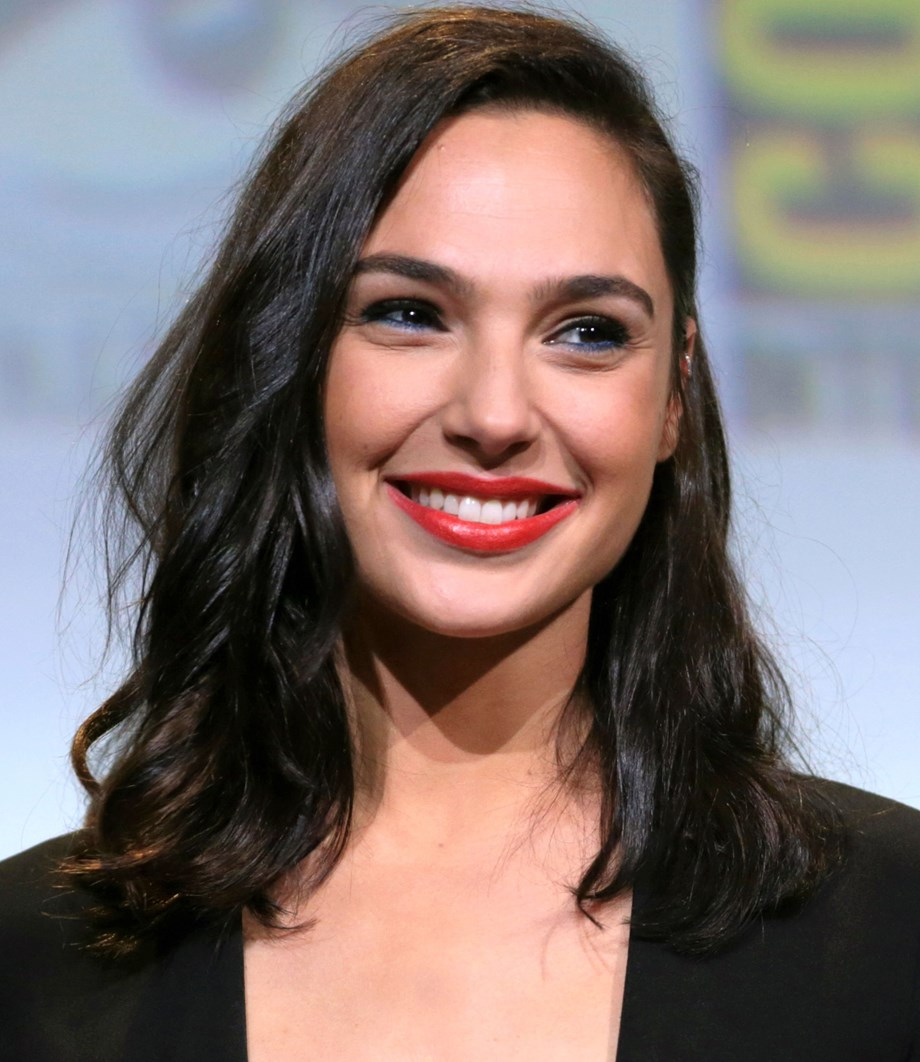 Gal Gadot to star in and produce 'Irene Sendler' for Warner Bros