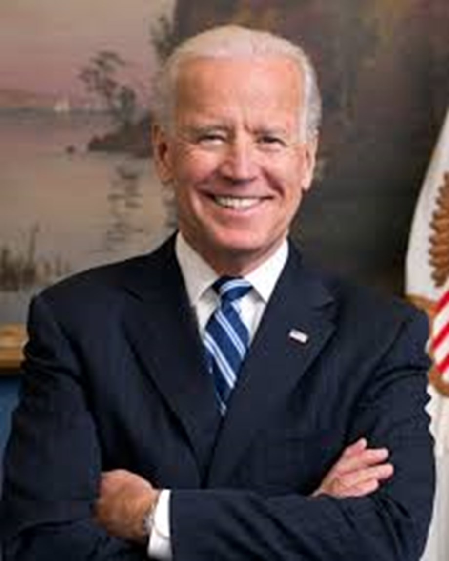 UPDATE 2-Biden, fellow Democrats back on campaign trail after third presidential debate