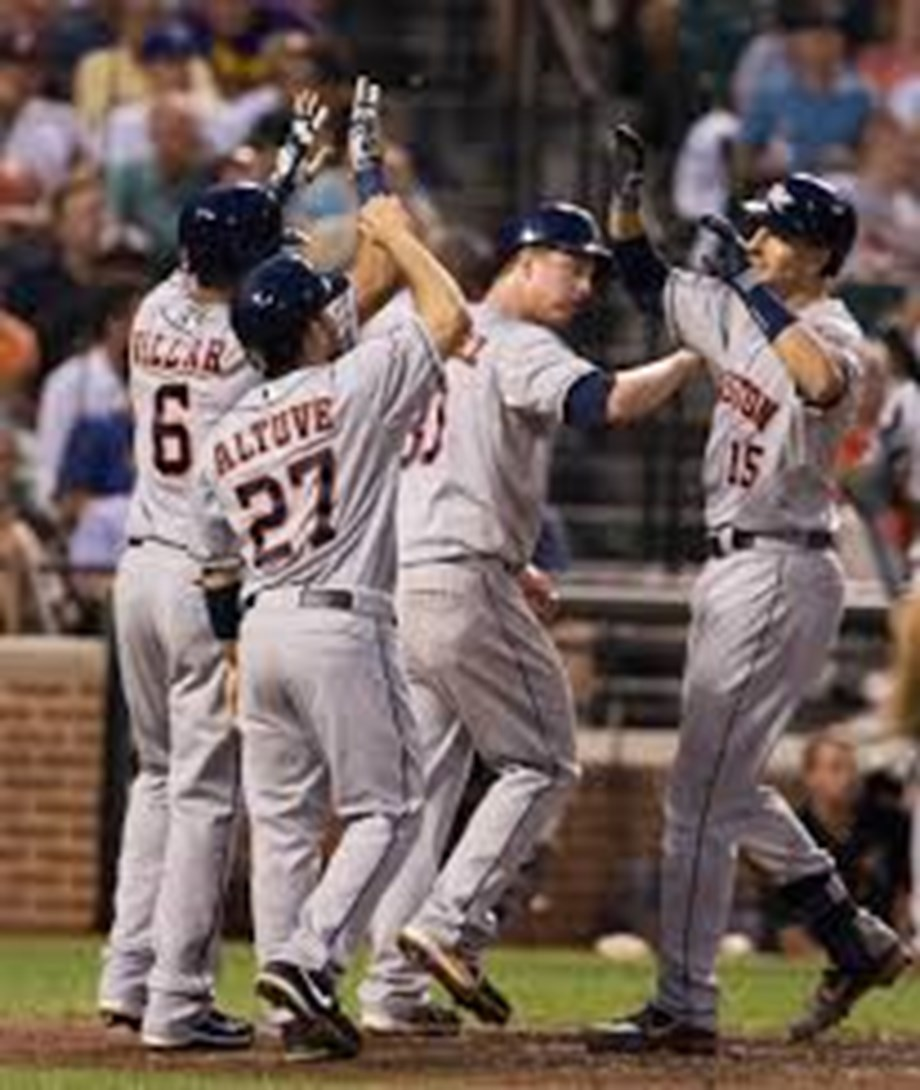 Astros leave struggling Miley off ALCS roster