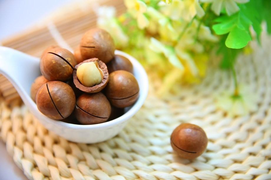 Rwanda govt encourages farmers to boost macadamia nuts farming despite price-rise