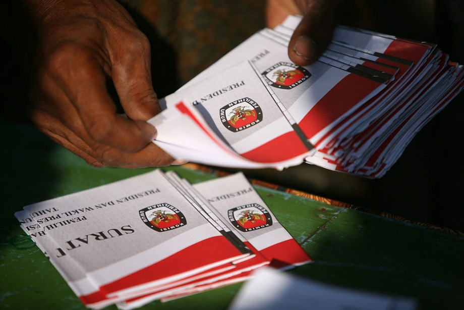 Widodo vs Subianto in world's largest one day elections