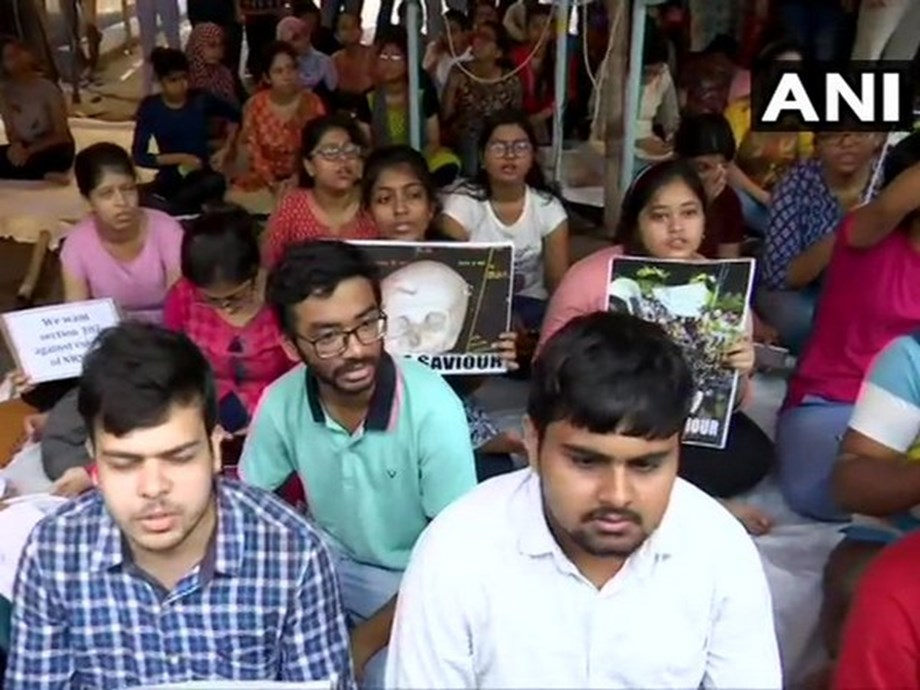 Doctors protest against assault of colleagues in Kolkata spreads to other parts of the country