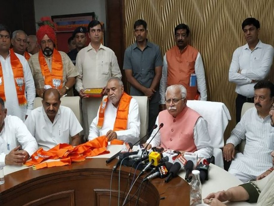 Former INLD leader Gopichand Gahlot joins BJP