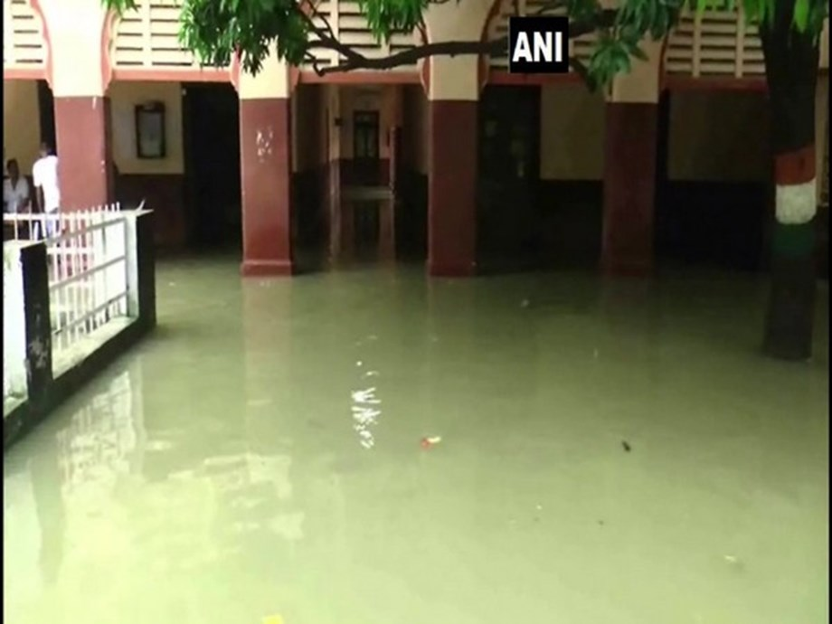 Deoria: Offices of District Magistrate, District Excise officer waterlogged due to heavy rain