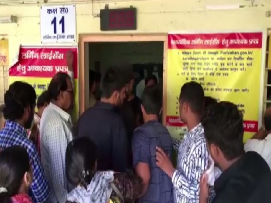 UP: Scores of people rush to RTOs after amended Motor Vehicles Act