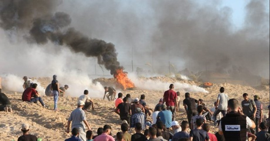 Crowds of Palestinians protest along Gaza-Israel border; no fatalities