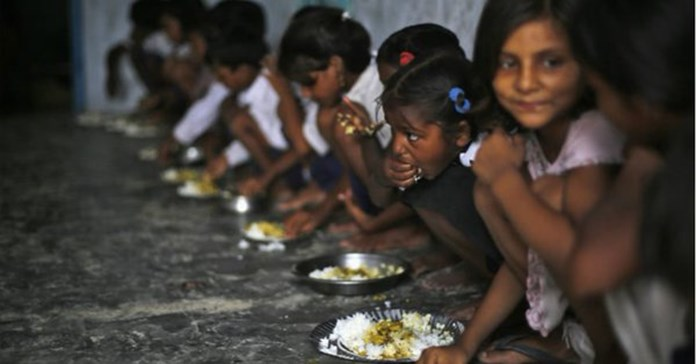 SC fines 5 states for not giving details on mid day meal
