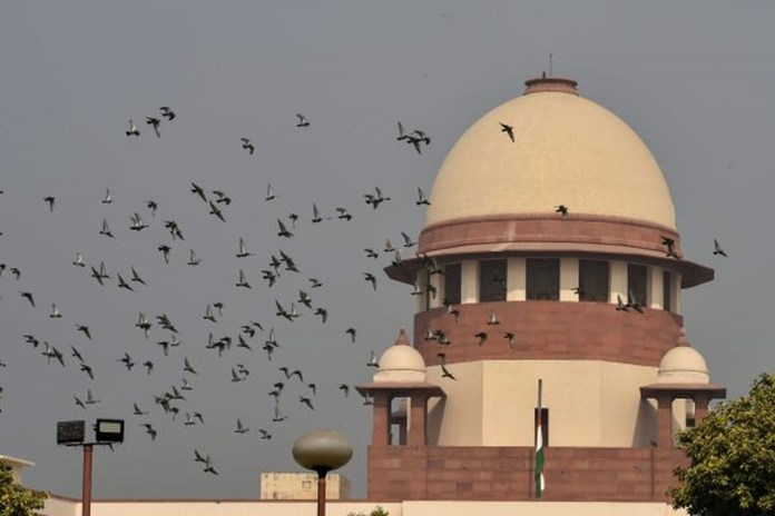 SC warns Uttarakhand officials of contempt action over demolition