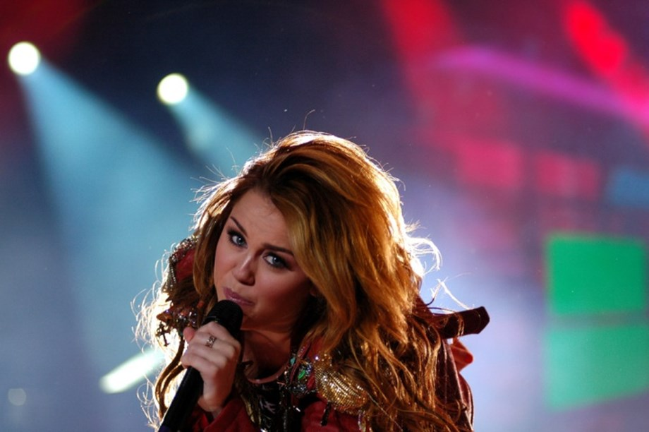 Miley Cyrus, Katy Perry to perform at 2019 MusiCares to honor Dolly Parton