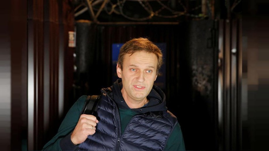 Russia: Opposition leader Navalny barred from leaving Russia