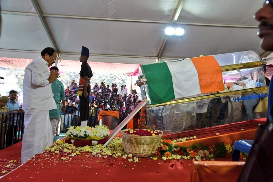Ananth Kumar laid to rest with state funeral
