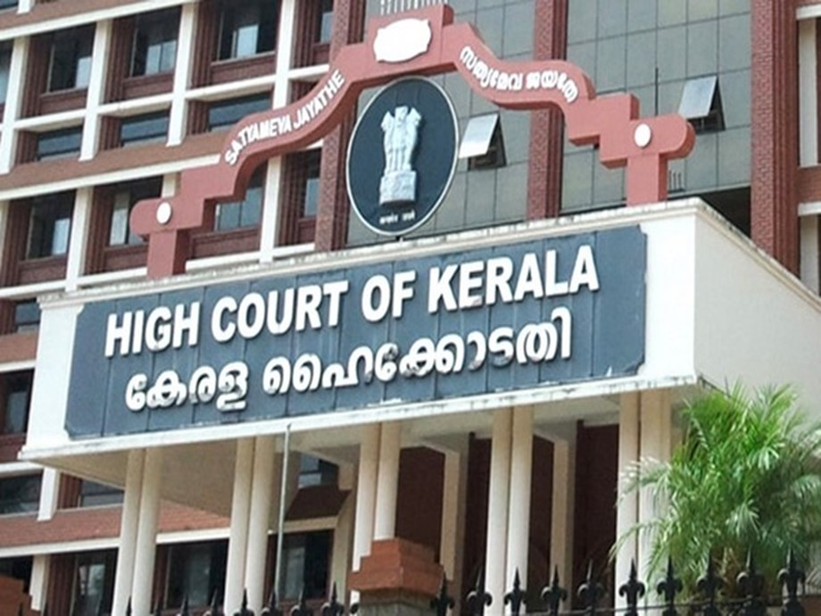 HC seeks explanation from state govt on Walayar rape case