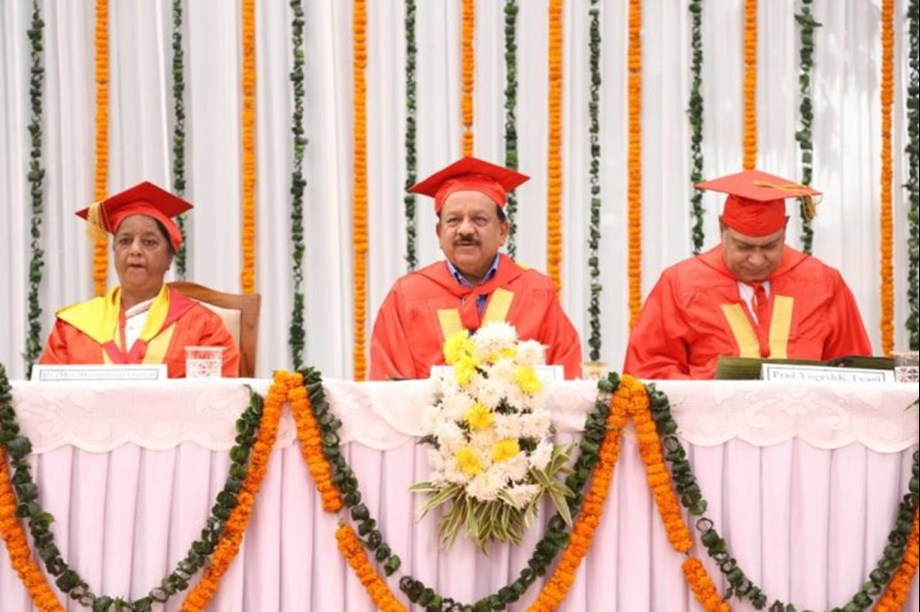 Attitude of nurses form image of medical profession: Dr. Harsh Vardhan