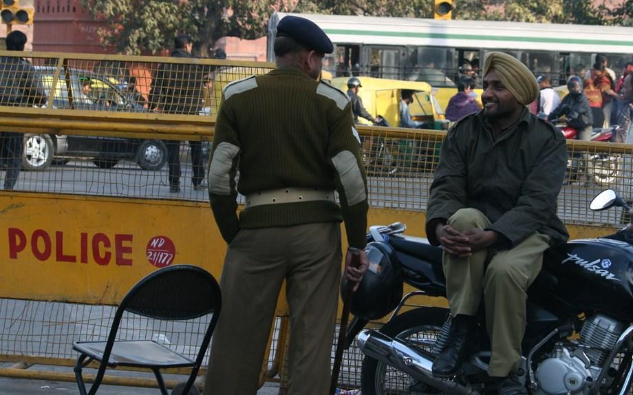 Raghubar Das assures review of policemen's demand of extra salary