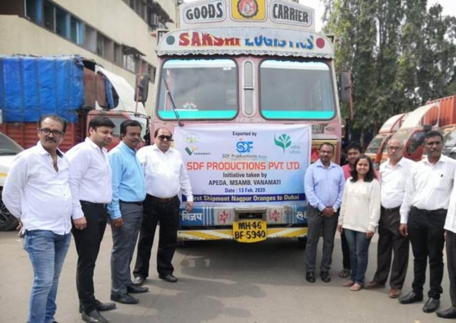 1500 Crates of Nagpur orange loaded to flag off to Dubai