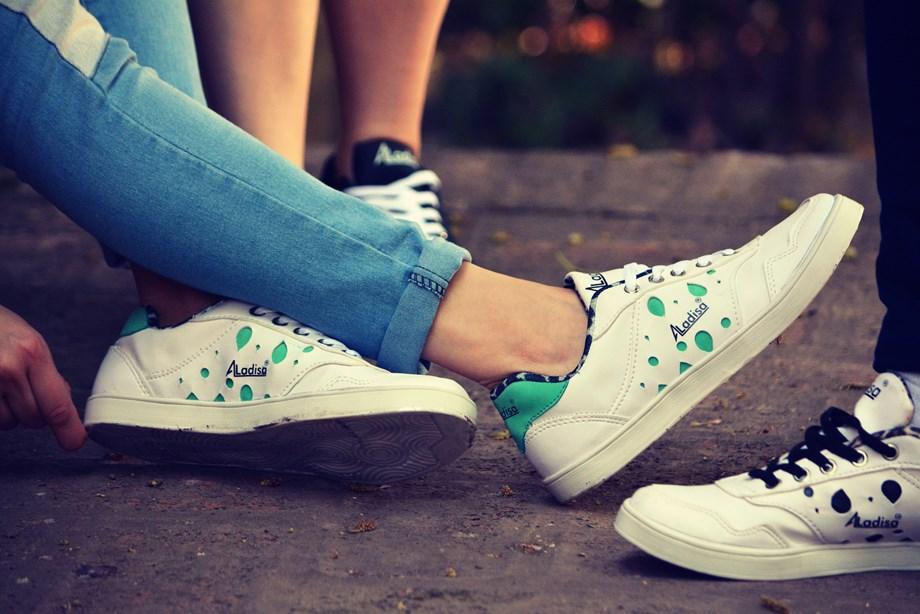 6 must-have footwears during summers