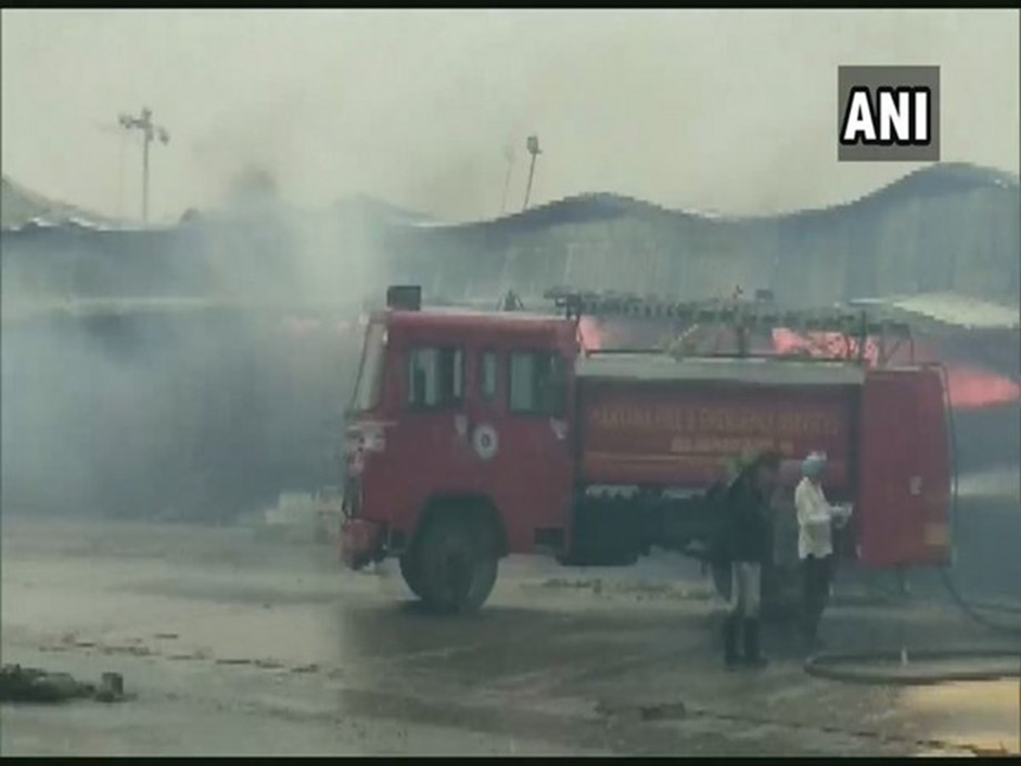 Massive fire breaks out at Anaj Mandi in Ambala