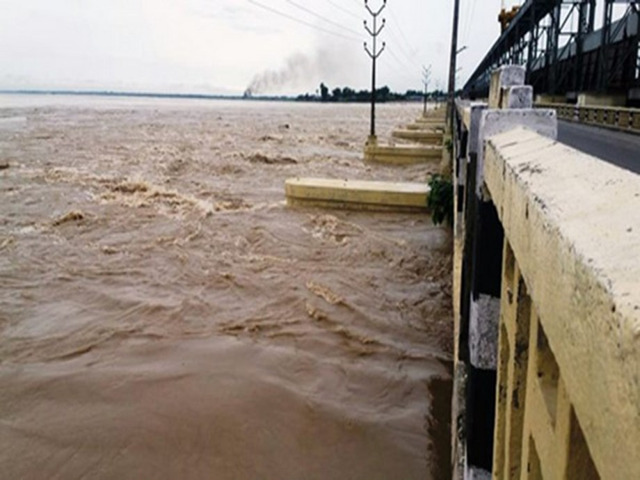 Nepal opens Kosi barrage gates, adjoining areas in Bihar in danger