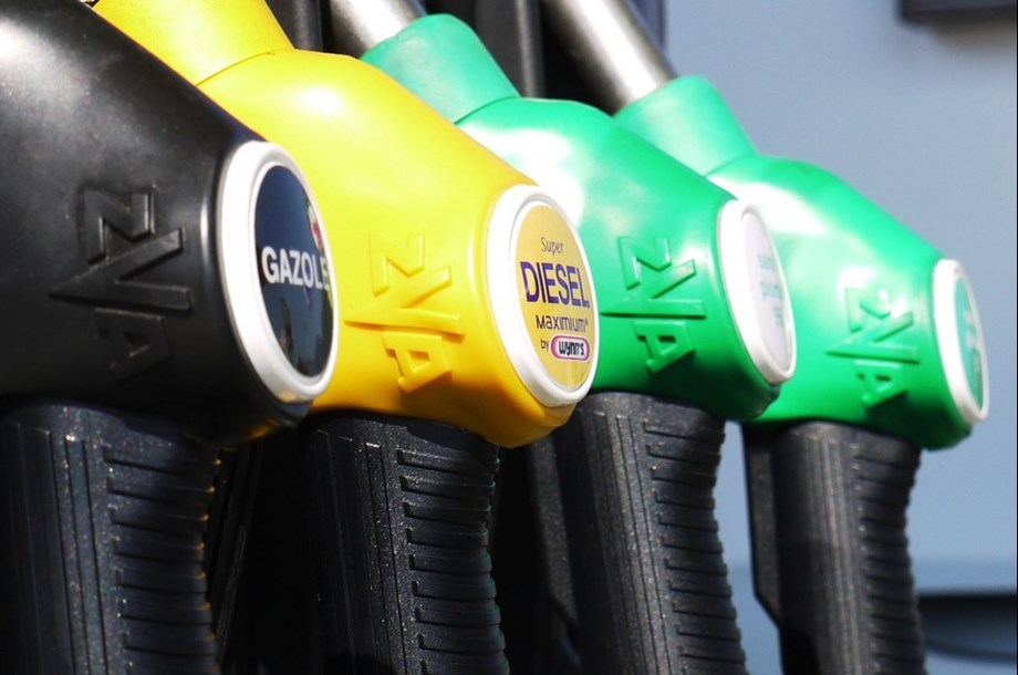 Most new diesel vehicles exceed emissions limits - German green lobby