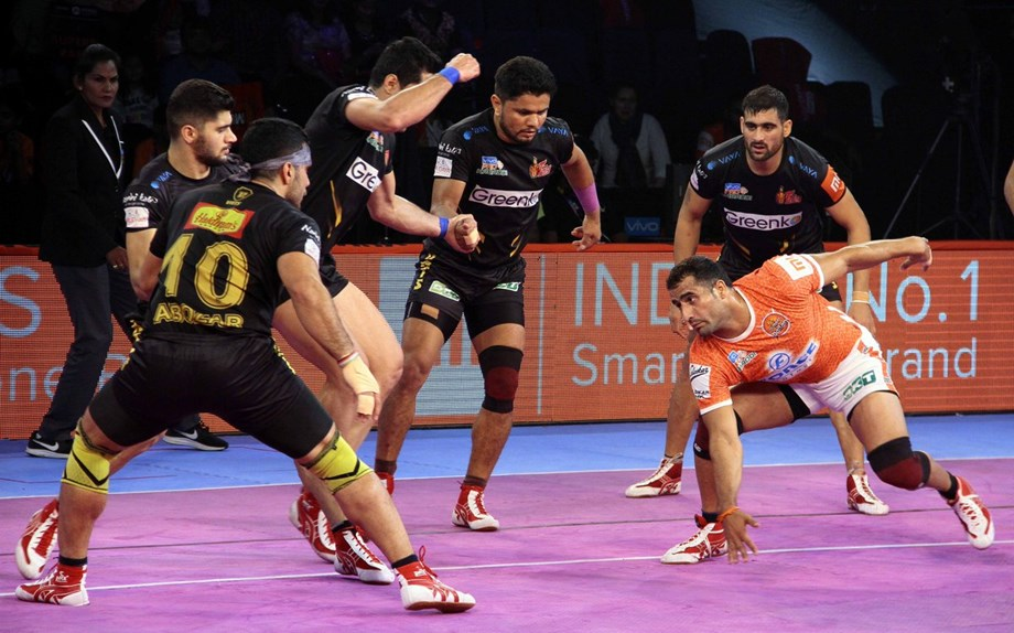 Kabaddi League: Telugu Titans narrow win over Puneri Paltan