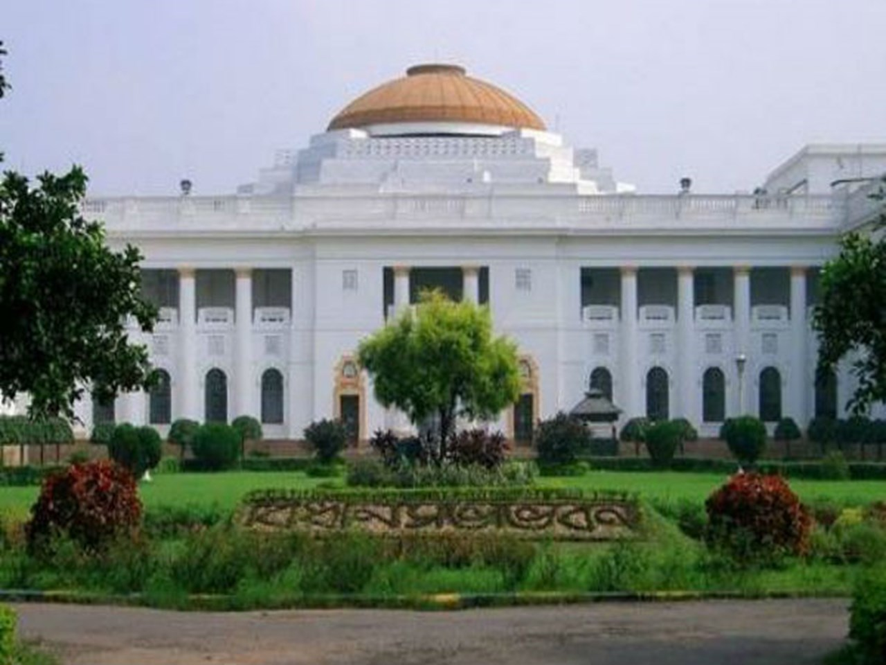 Bengal govt cancels job fair due to assembly session