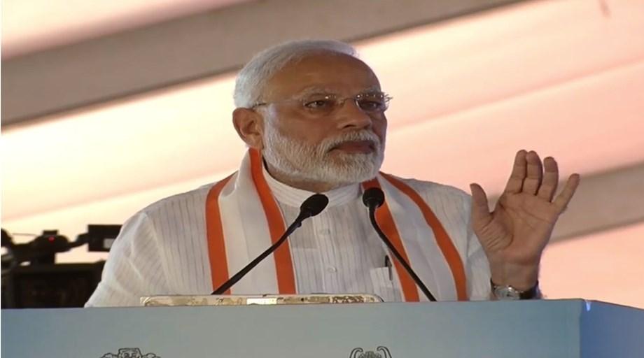 Omung Kumar B thoroughly travelling Gujarat to research on PM Modi's biopic