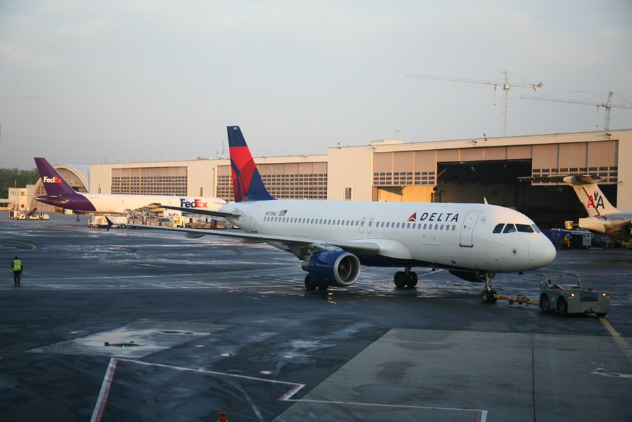 Delta Air Lines to invest $1 bn to reduce emissions