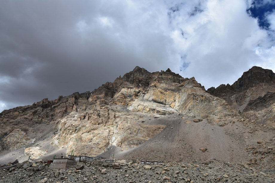 Two Indian mountaineers die due to altitude sickness on Mt Kanchenjunga