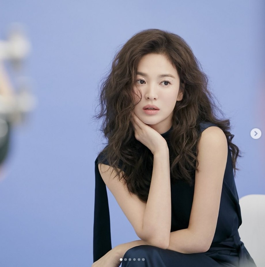 Song Hye-Kyo looks gorgeous in SB attire, her rumored beau, More on Song Joong-Ki's project