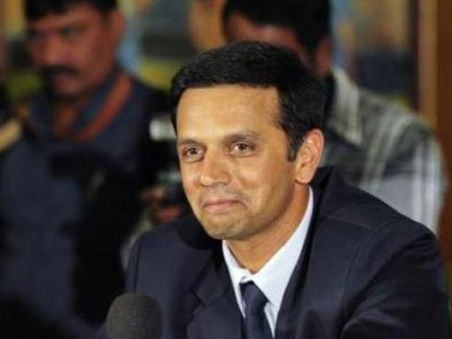Wicket taking bowlers will benefit India in middle overs, says Dravid