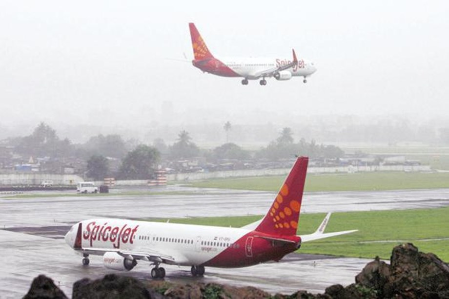 Fly direct from Mumbai to 5 international locations in SpiceJet Boeing 737