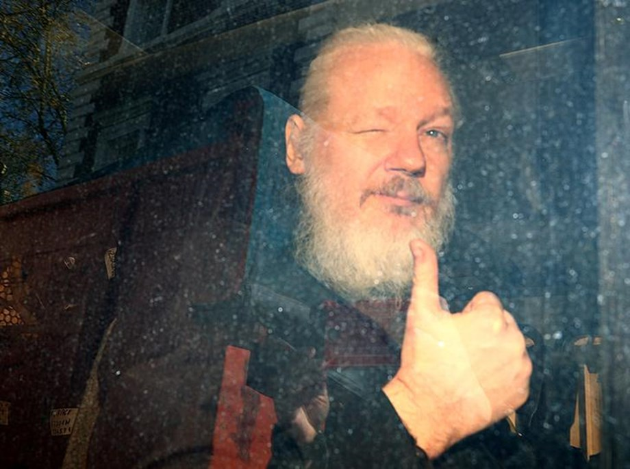 EXPLAINER-Looking for America: Is Julian Assange heading to the United States?