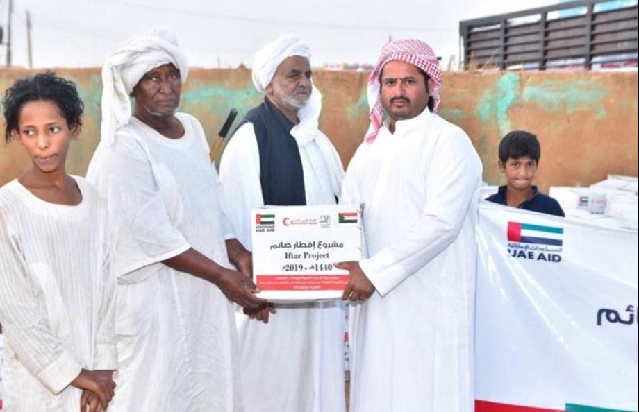 UAE Embassy in Sudan distributes over 100 tonnes of foodstuffs in Kassala